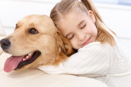 I cani proteggono i bambini dalle malattie della pelle e dalle allergie
